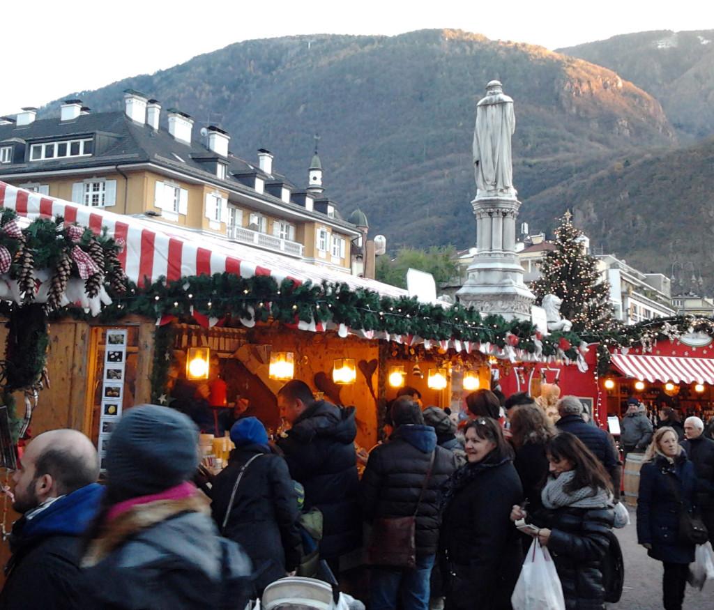 mercatino natale bolzana piazza walter