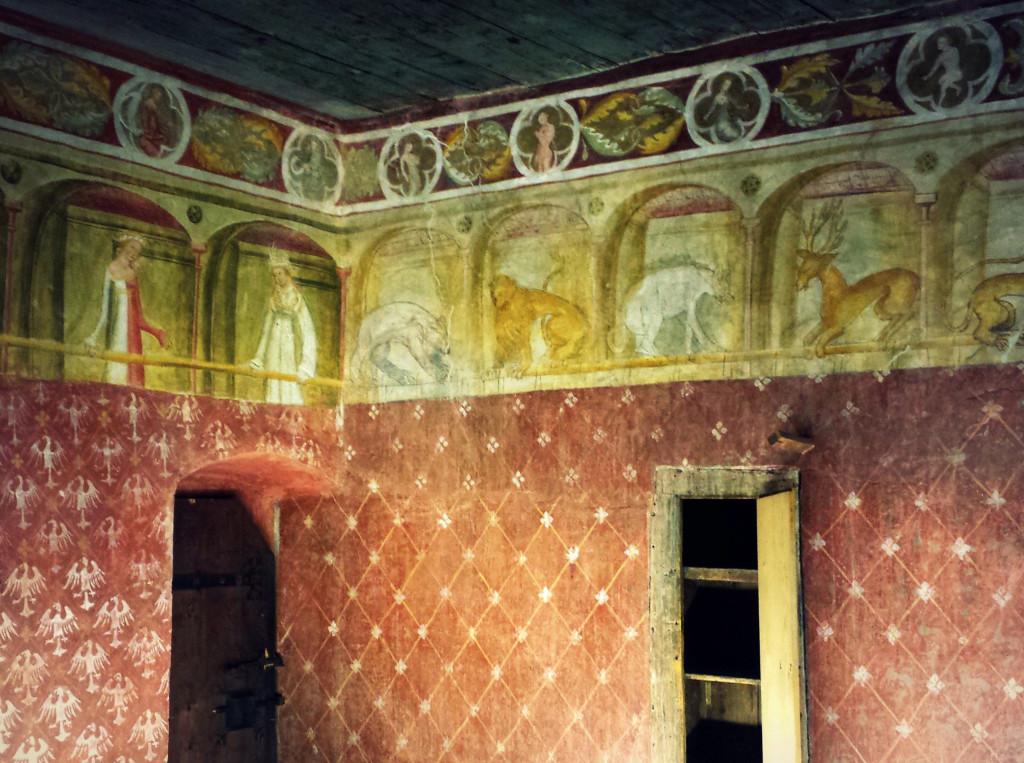 affreschi interno castel roncolo