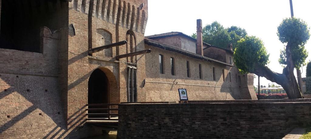 esterno castello pagazzano