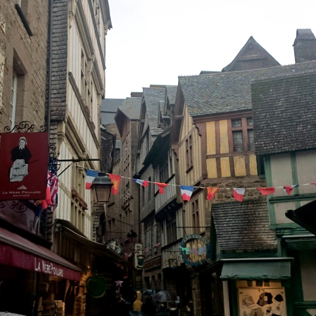 mont saint michel grand rue
