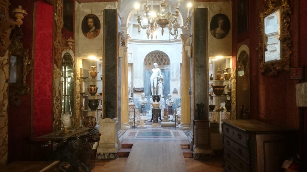 interni museo pogliaghi