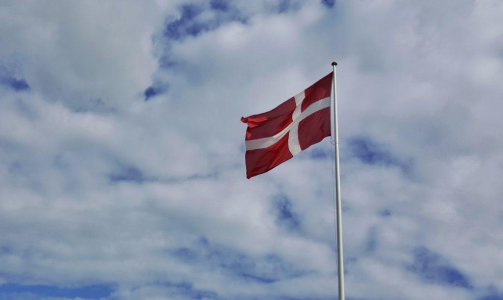 bandiera Danese_diario di viaggio in danimarca e copenaghen