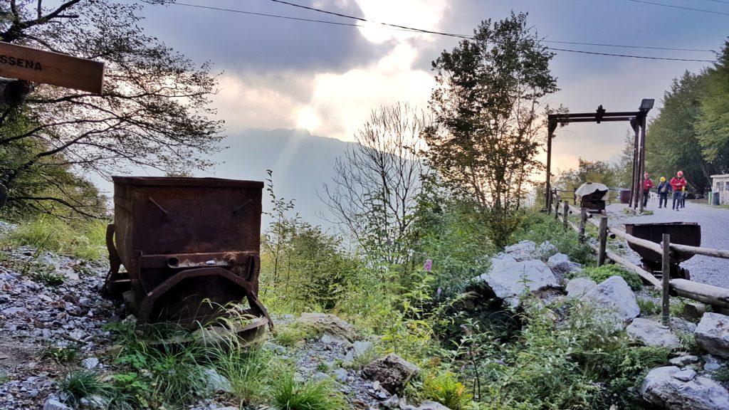 visita alle miniere di dossena in val brembana