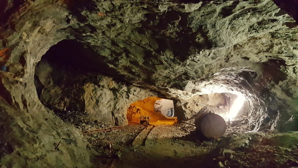visitare miniere di dossena a bergamo