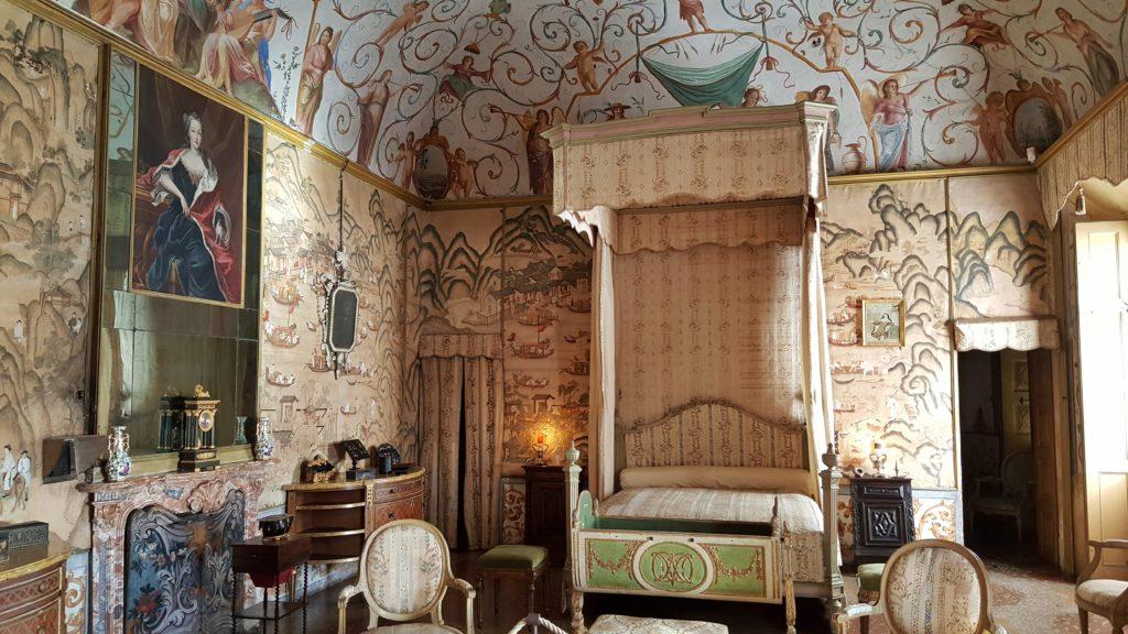 visita interni del castello di masino in piemonte