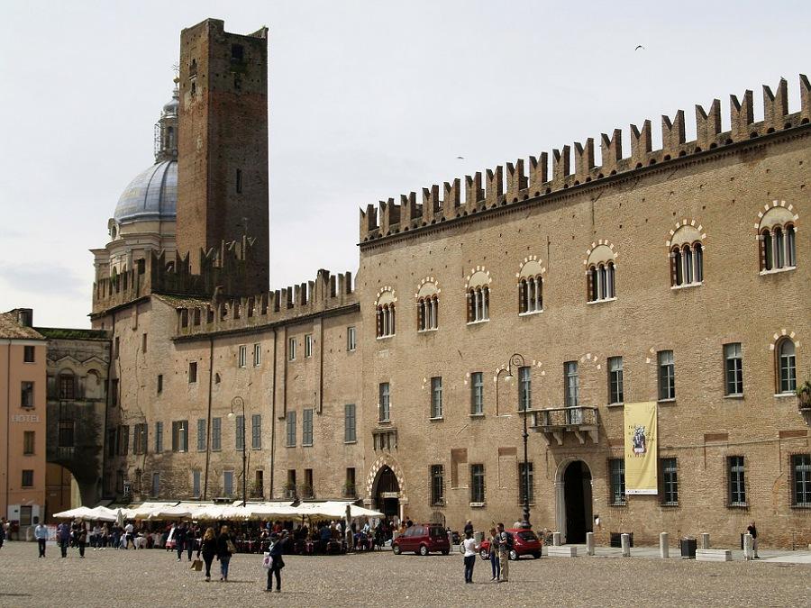 Piazza Sordello_guida pdf di Mantova