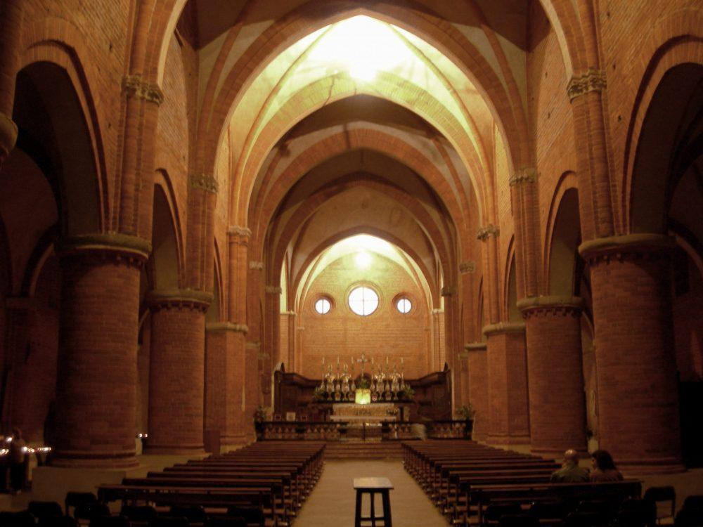 navata chiesa abbazia di morimondo milano
