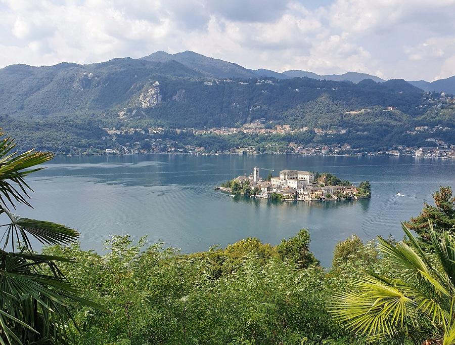 L'Isola di San Giulio dal Sacro Monte d'Orta
