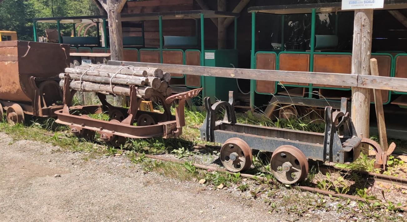 partenza per le miniere di schilpario a bergamo