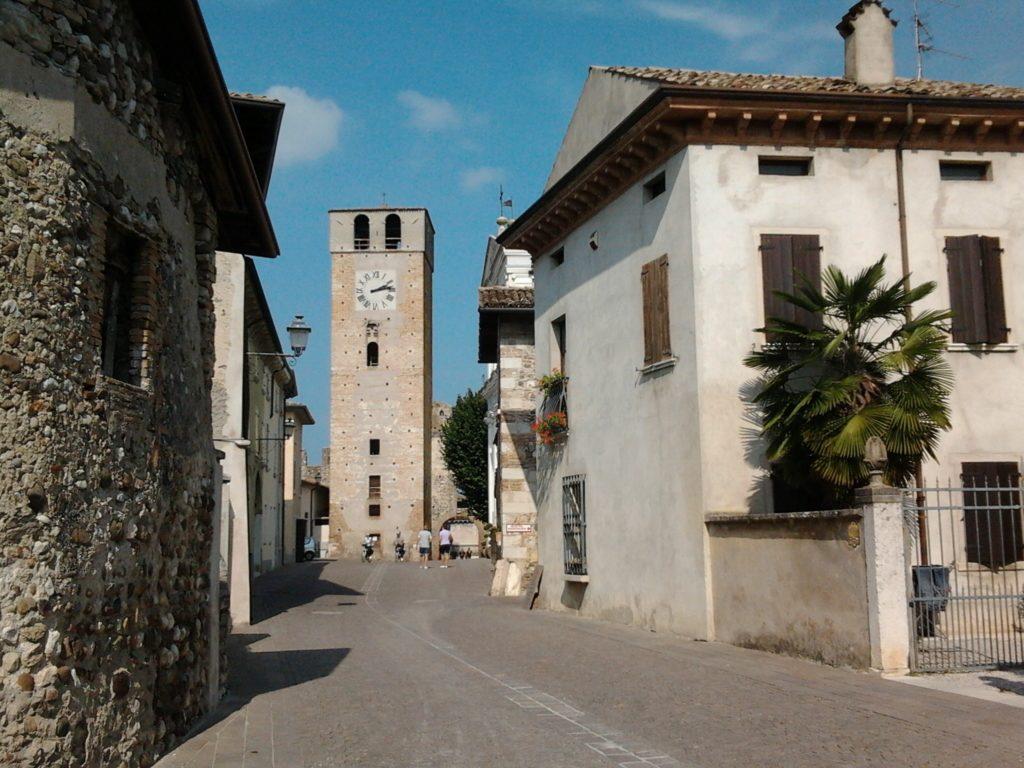 VISITARE borgo di CASTELLARO LAGUSELLO