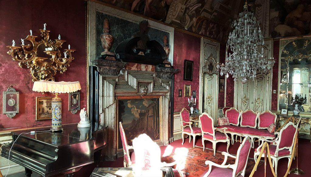 Una sala di Palazzo Terzi