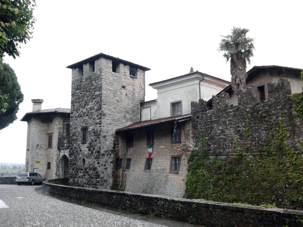Visita al borgo di Castelli Calepio castello