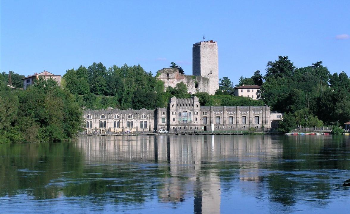 trezzo sull'adda_castello e centrale taccani