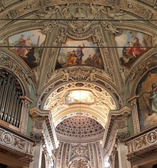 interni della basilica di san martino ad alzano lombardo