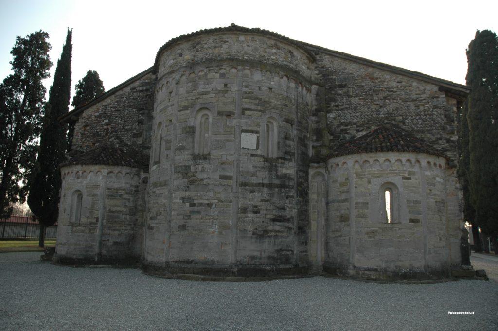 Visita alla Basilica di Santa Giulia nel cimitero di Bonate Sotto
