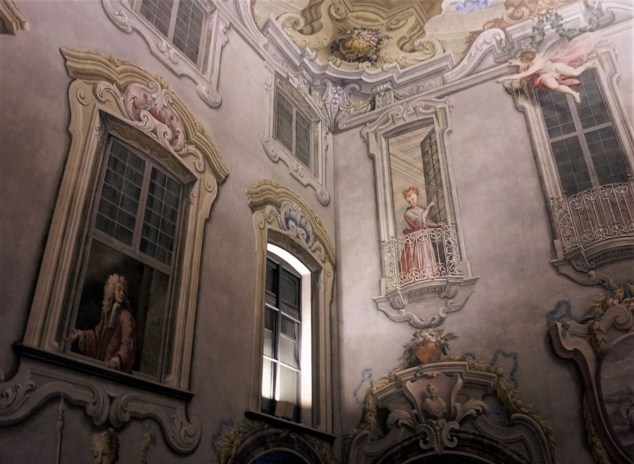 scalone monumentale_palazzo visconti di brignano_affreschi