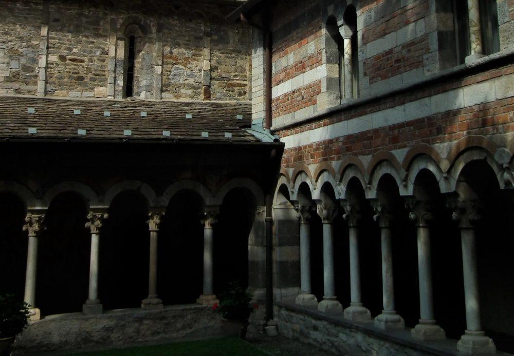 abbazia di piona_chiostro_romanico a lecco