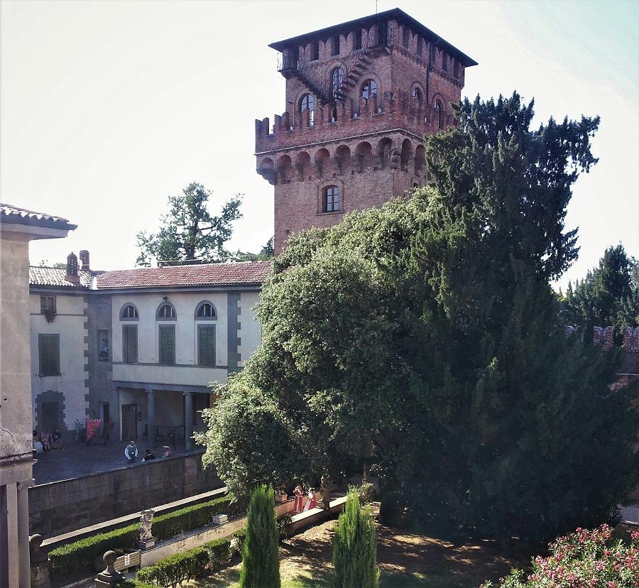 cortile e giardino_castello di urgnano_bergamo