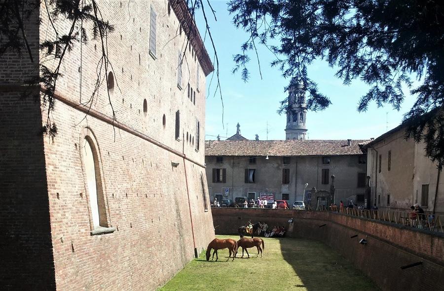 fossato_castello di urgnano_bergamo