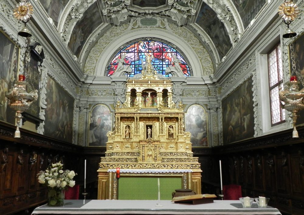 interno chiesa di san giacomo a Gromo_bergamo
