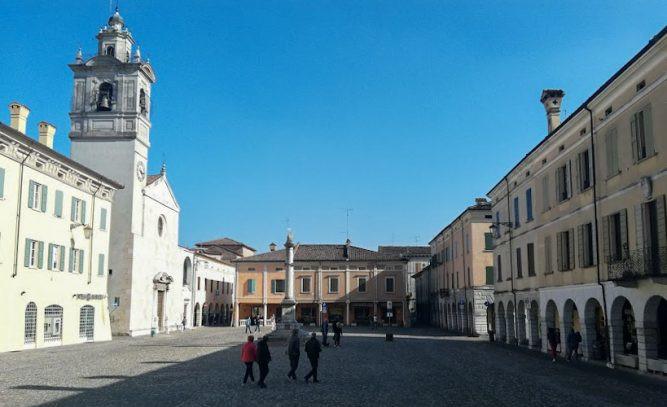 cosa vedere a sabbioneta_mantova_piazza ducale_www.sentichiviagia.it