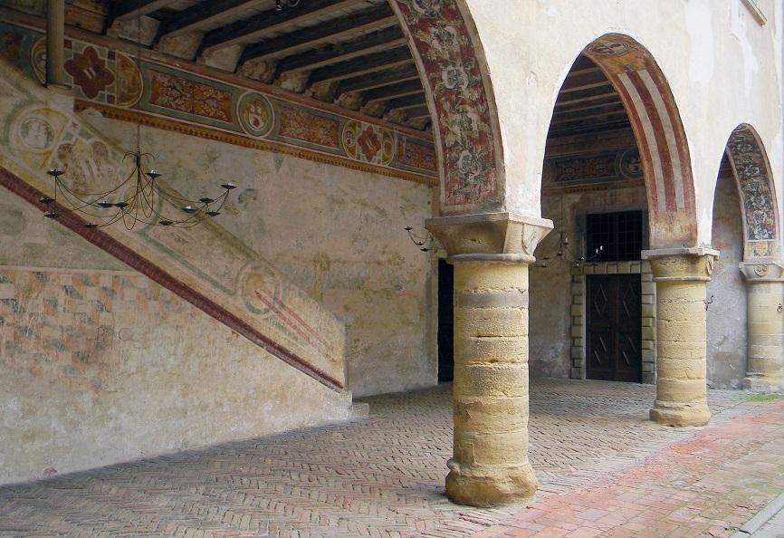 porticato del castello di malpaga_visite guidate