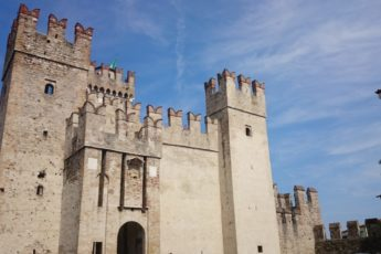english version sirmione lake garda