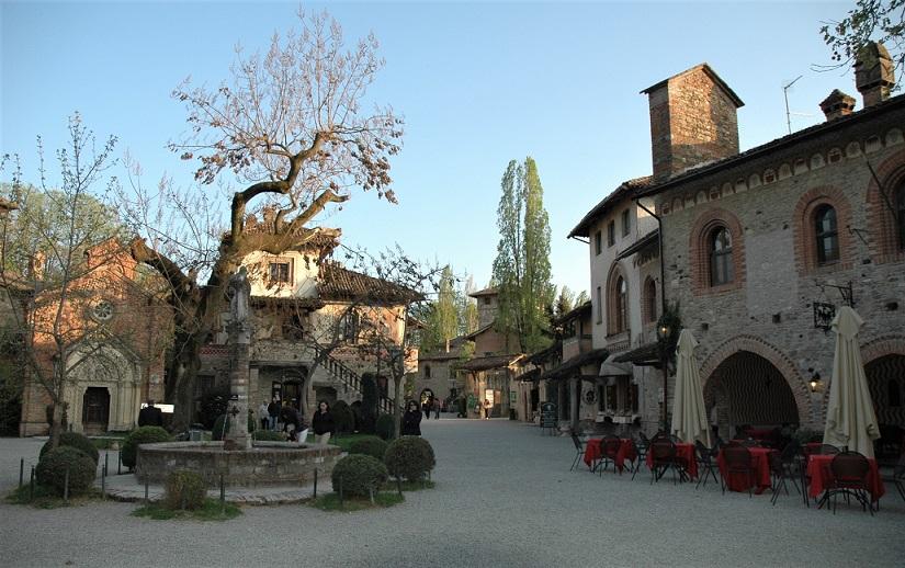 grazzano visconti_orari di apertura_borgo medievale