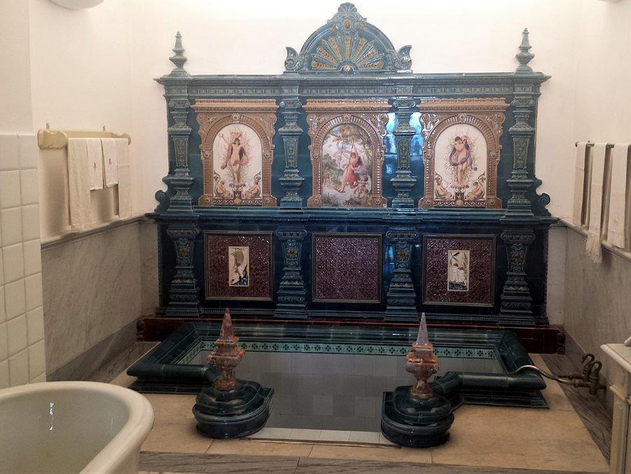 bagno Re Faruk in stile orientale a villa monastero
