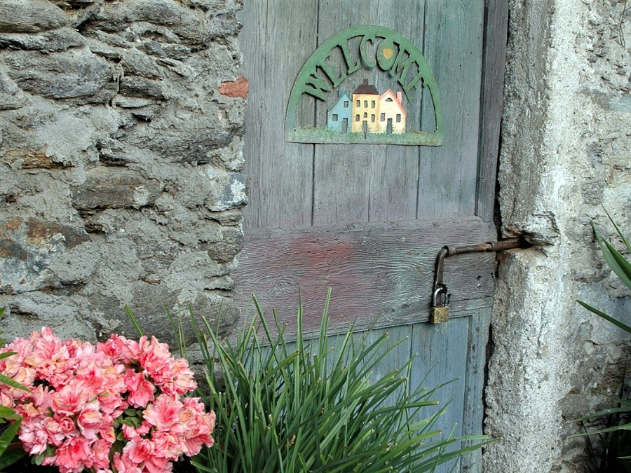 porte e fiori a corenno plinio sul lago di como