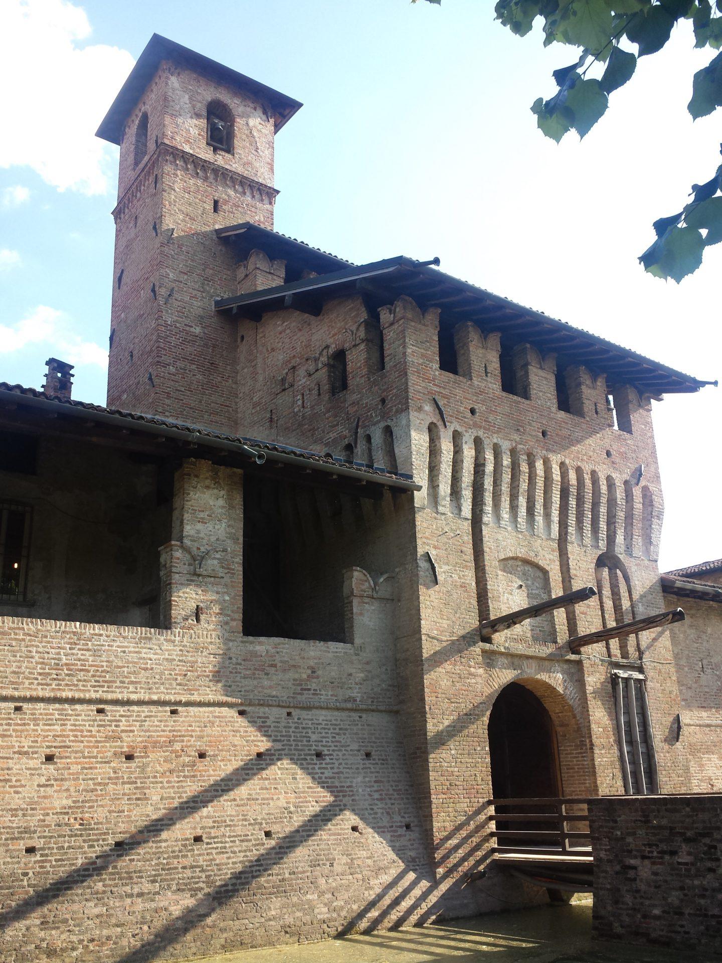pagazzano castello esterno