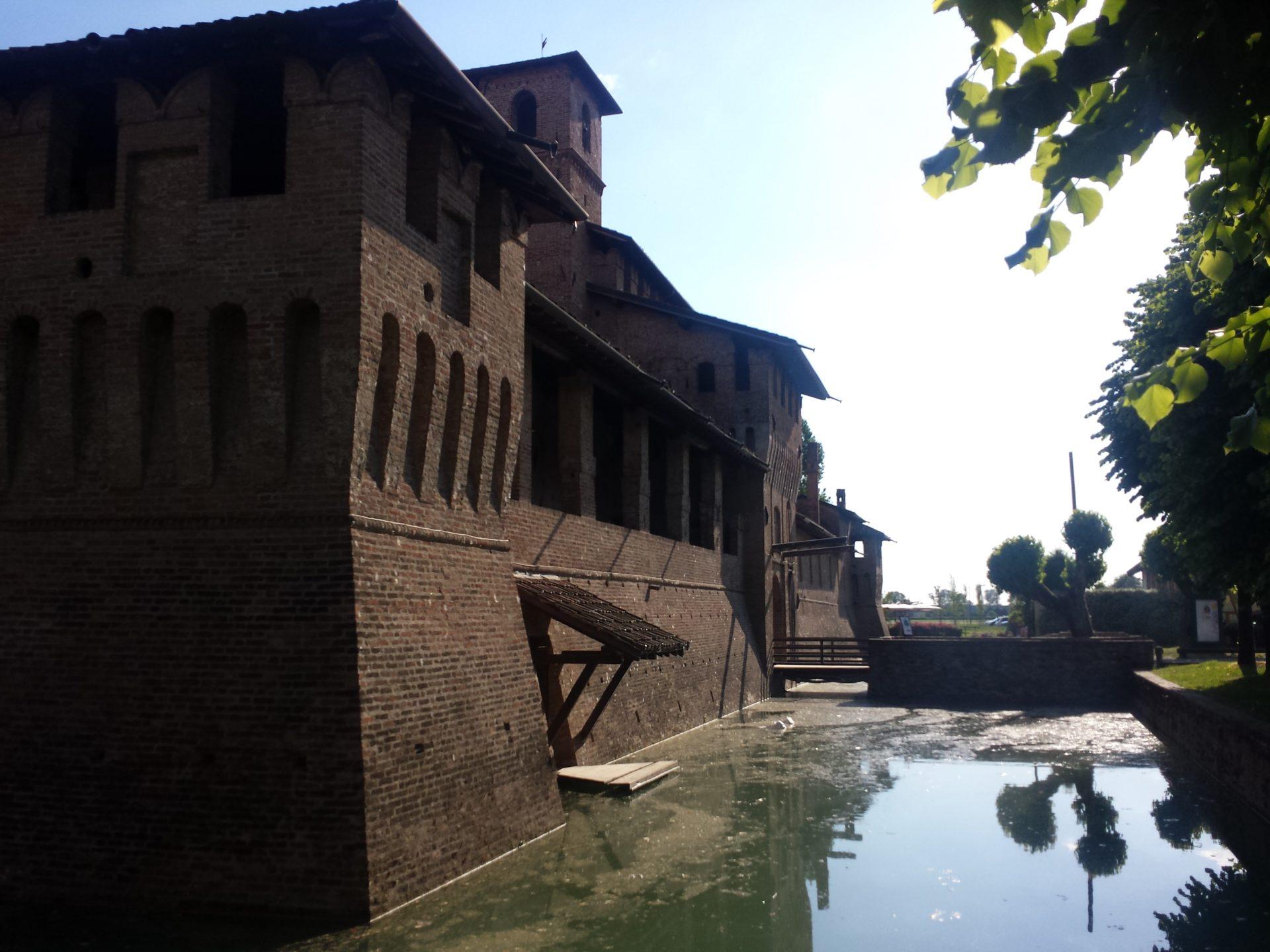 fossato castello pagazzano bergamo