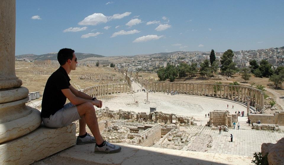 Il foro ellittico di Jerash visto dal Tempio di Giove