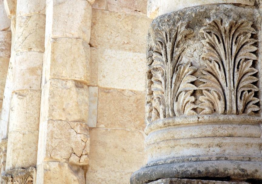 una decorazione della porta sud di jerash_giordania