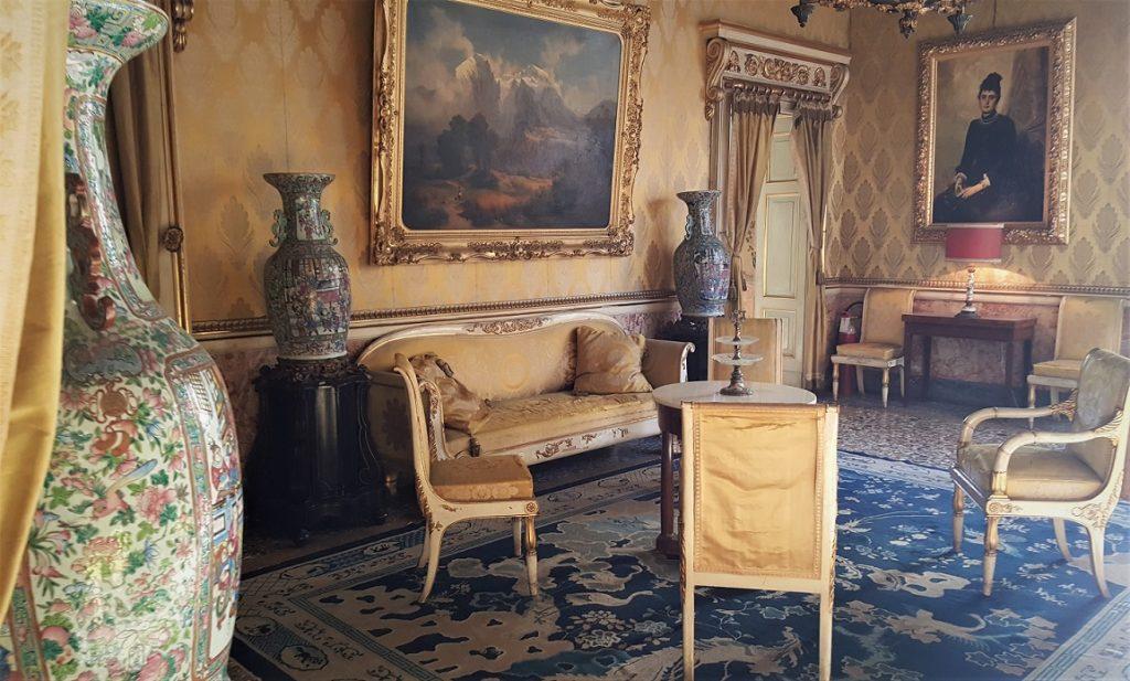 Un salottino di Palazzo Moroni a Bergamo