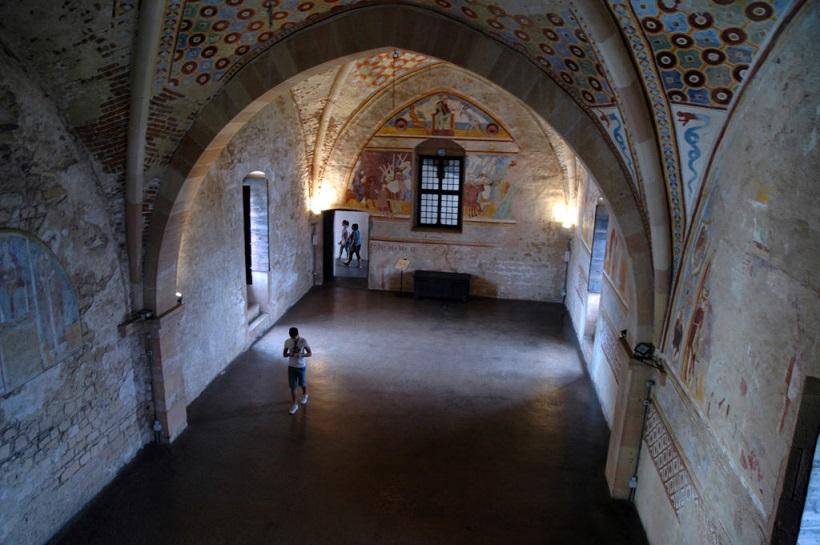 sala della giustizia nella rocca di angera_gita in lombardia
