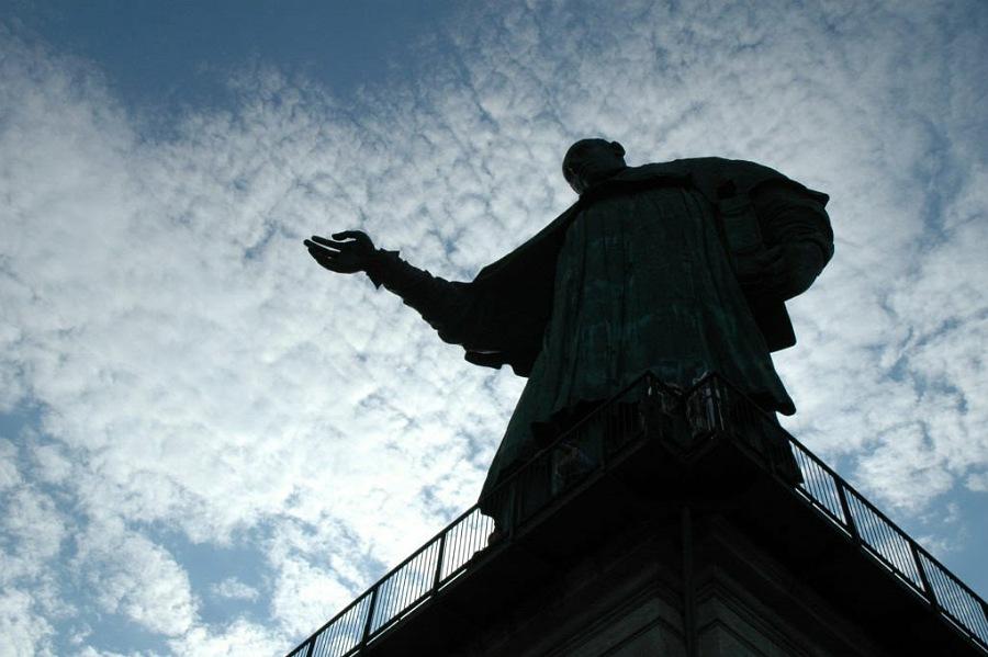 statua san carlo borromeo_interno