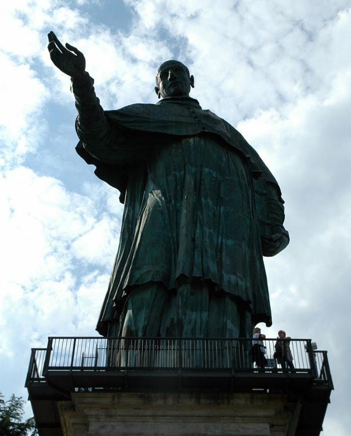 statua san carlone_altezza