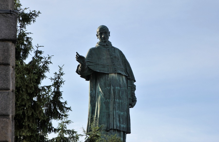 statua san carlone_lago maggiore