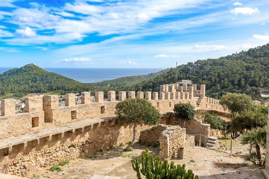 la cinta muraria di capdepera_maiorca_castelli e borghi