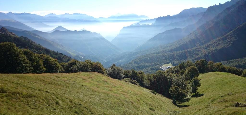 Il paesaggio lungo il sentiero per il Rifugio Grassi da Valtorta