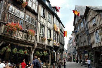 COSA VEDERE A DINAN IN BRETAGNA_ borghi medievali più belli di Francia