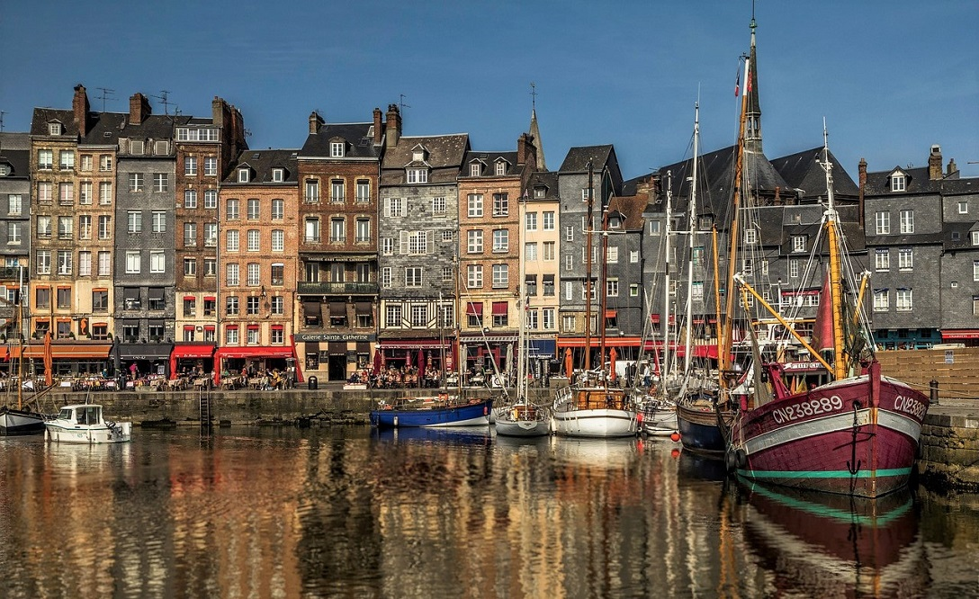 COSA VEDERE A HONFLEUR IN NORMANDIA_uno dei porti più belli di Francia