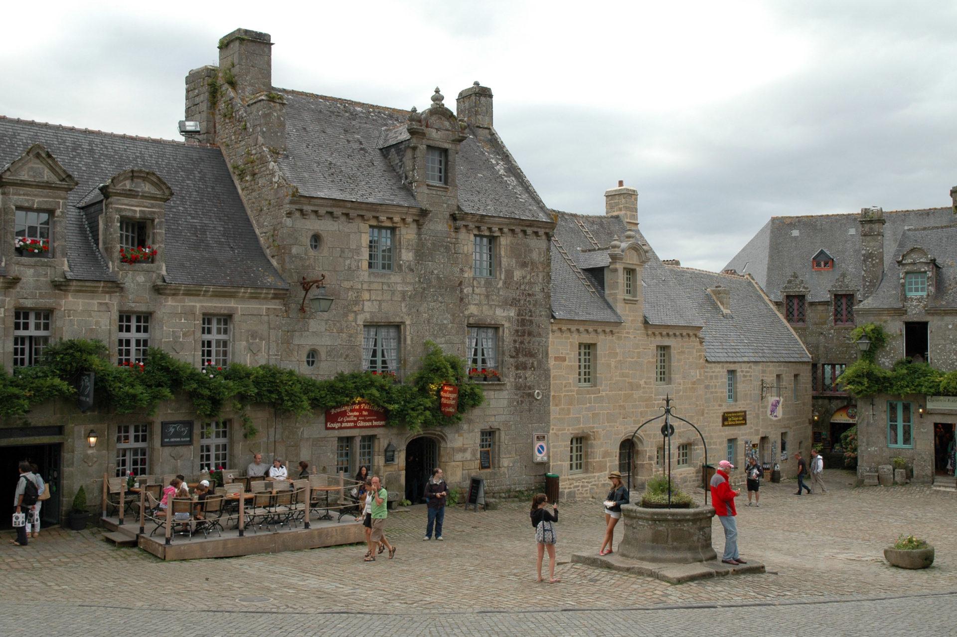 visitare villaggio locronan bretagna francia