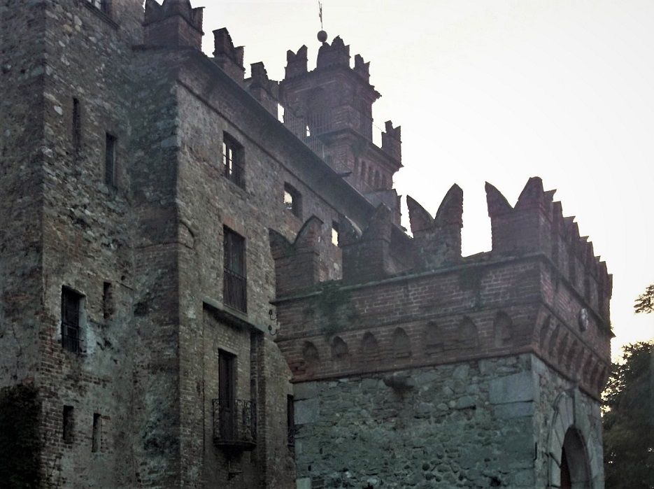 somma lombardo_castello visconti di san vito_informazioni