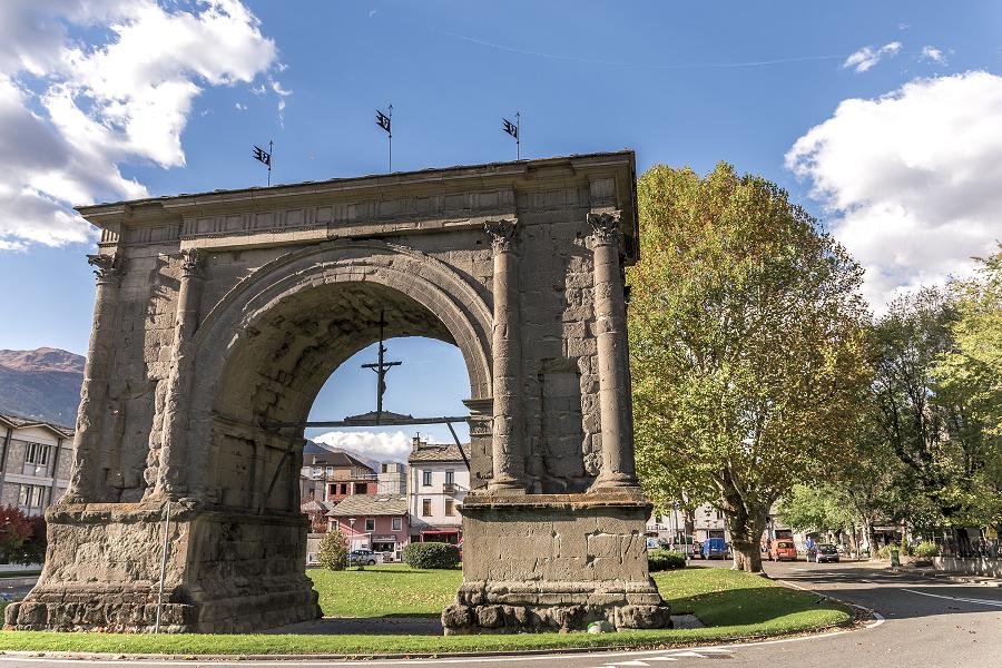 Arco di Augusto ad Aosta: cosa vedere in un giorno
