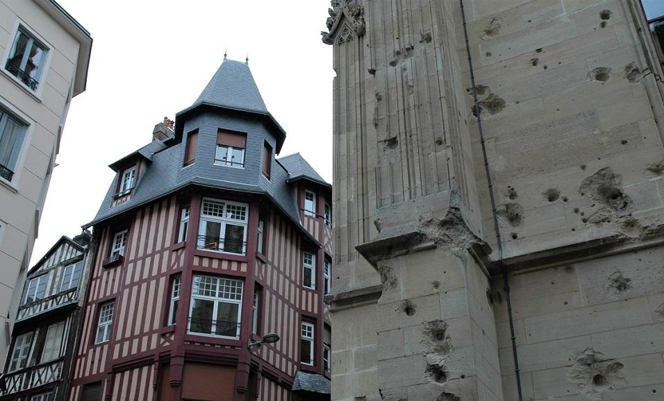 segni della guerra sul Palais de Justice a Rouen_cosa vedere