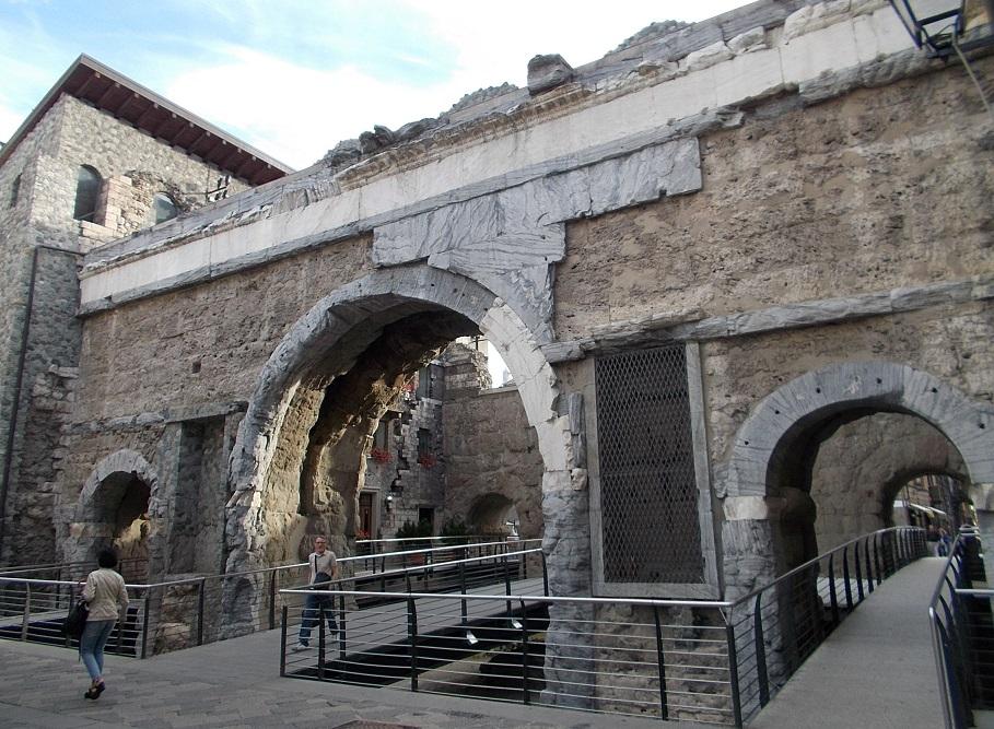 Porta Pretoria: itinerario di Aosta