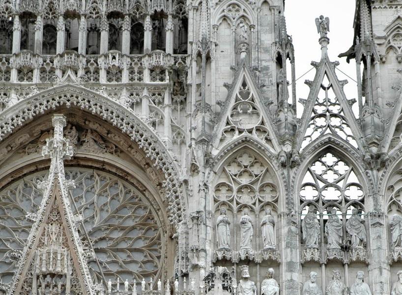 dettaglio della facciata della cattedrale di rouen_cosa vedere