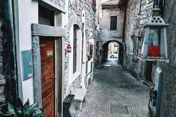 borgo medievale di riva di solto_cosa vedere sul lago d'iseo
